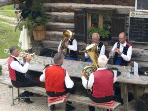Banda musicale al rifucio Haniger Schwaige