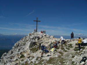 Gipfelkreuz am Weißhorn mit Blick zum Ortler